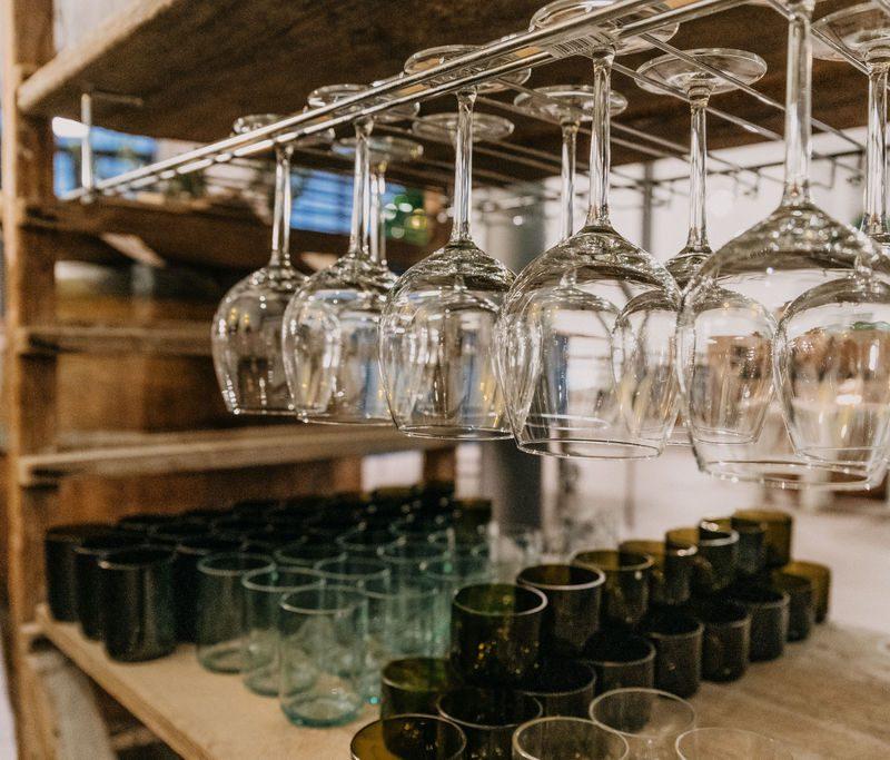 Upcycling Gläser aus alten Weinflaschen